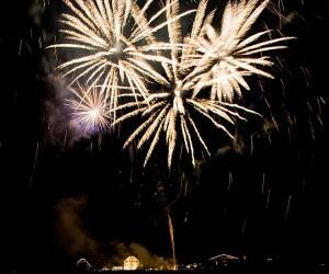 HTH pyrotec Feuerwerke 2009